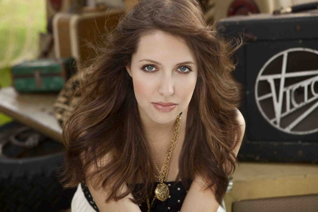 Christian Singer: Francesca Battistelli christian wallpaper free download. Use on PC, Mac, Android, iPhone or any device you like.