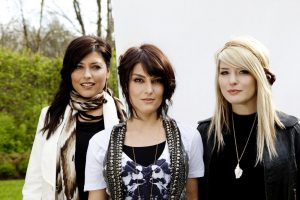 Christian Band: Barlow Girl Trio Wallpaper
