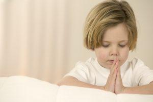 Christian Photography: Baby Praying Wallpaper