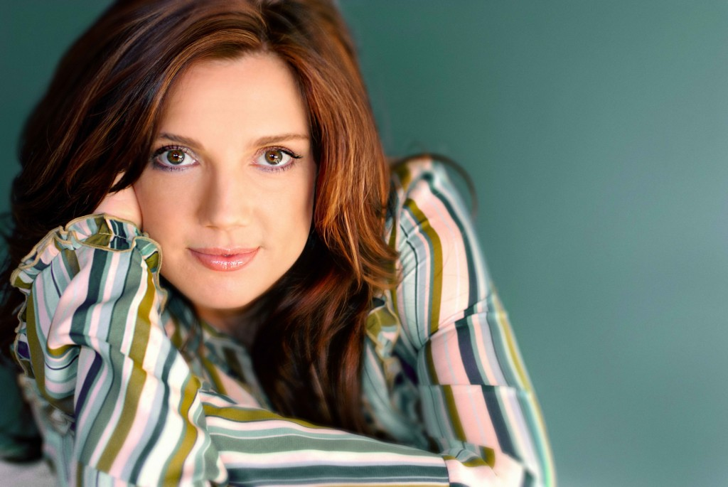 Christian Singer: Cheri Keaggy christian wallpaper free download. Use on PC, Mac, Android, iPhone or any device you like.