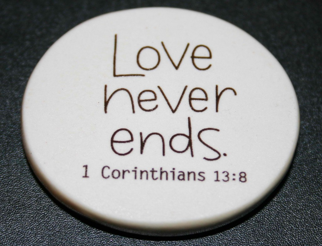 Christian Photography: Love Never Ends Badge christian wallpaper free download. Use on PC, Mac, Android, iPhone or any device you like.