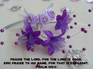 Psalm 135:3 – Praise the Lord Wallpaper